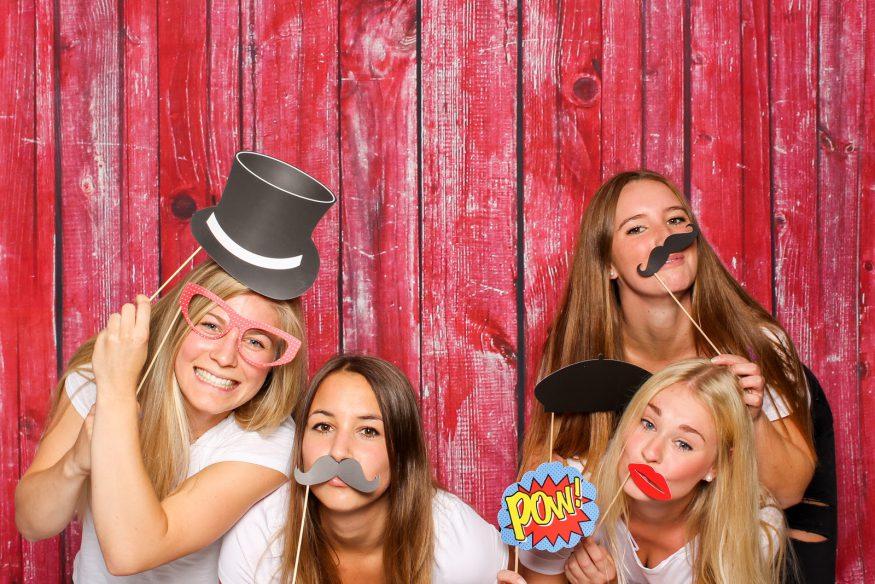 Graduation party ideas: A DIY photo booth
