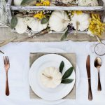 Thanksgiving decoration ideas for indoor table settings.