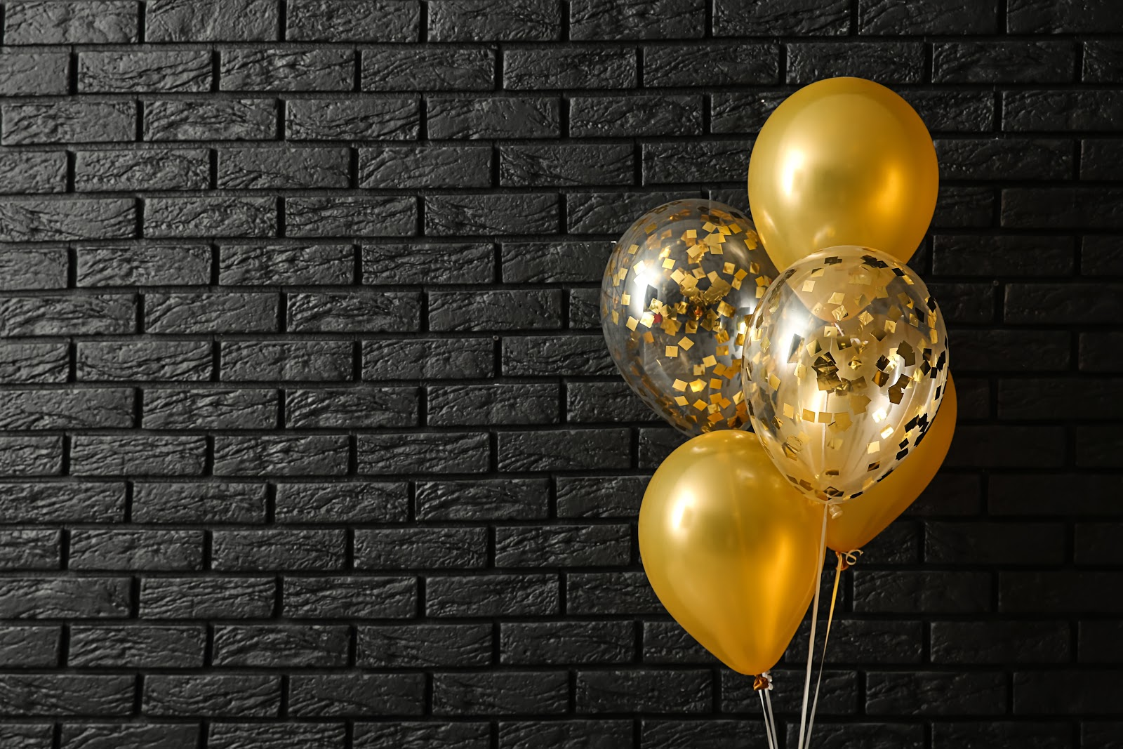 Great Gatsby Party: Yellow balloons