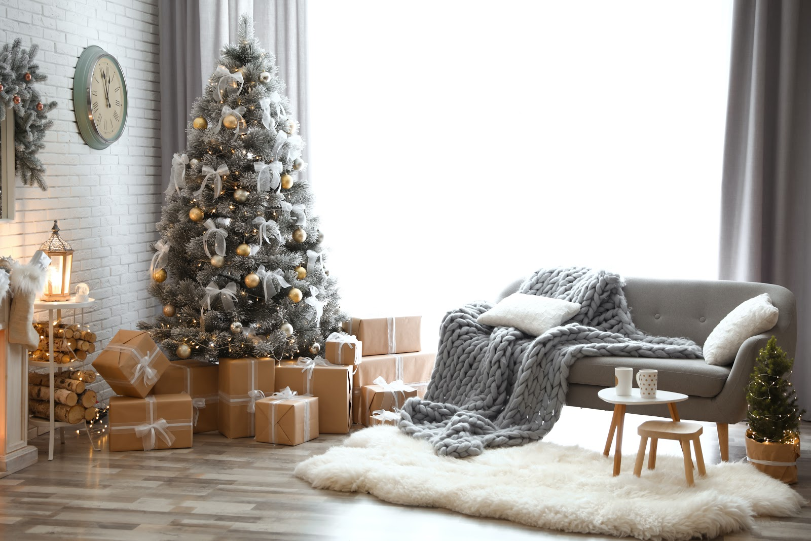 Deck The Halls With These 22 Christmas Decorating Ideas Stationers