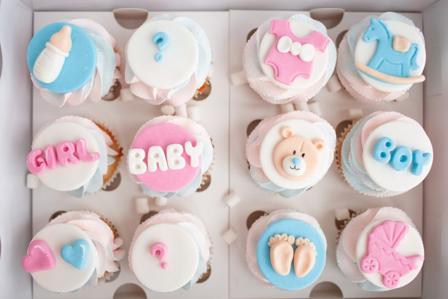 Baby shower ideas: decorated cupcakes