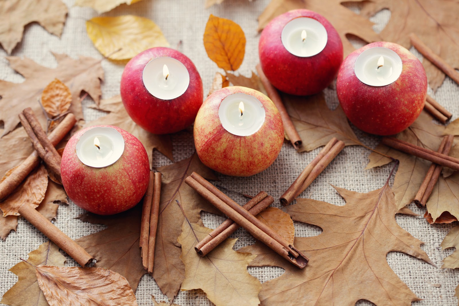 Thanksgiving decoration ideas for fruit candle holders.