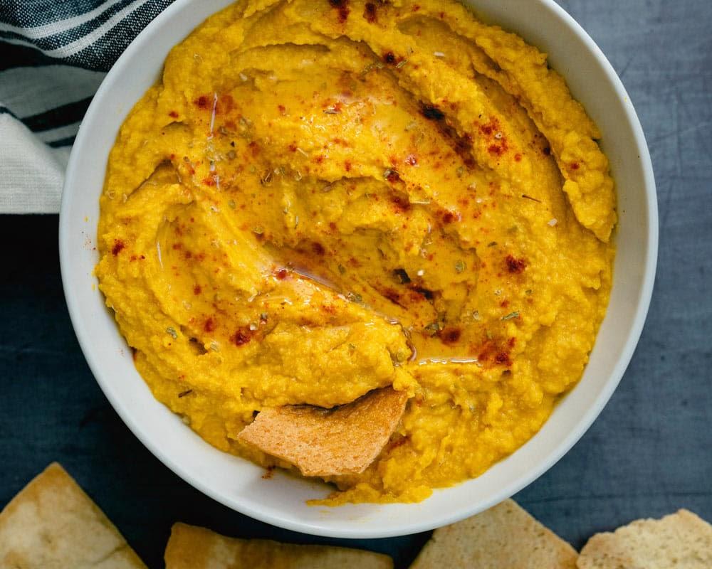 Halloween party food: pumpkin hummus