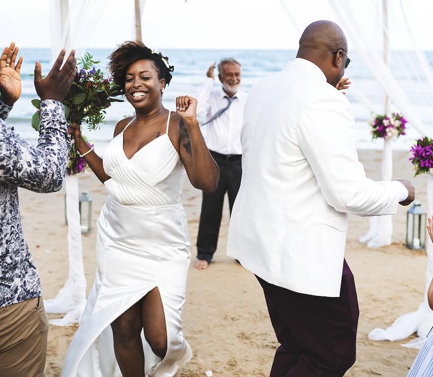 destination wedding ideas: couple dancing