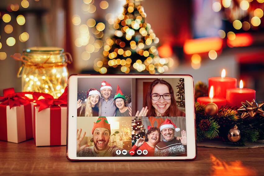 Virtual Holiday party ideas: family Christmas celebration via video call