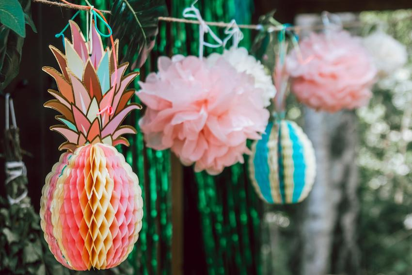 Jungle theme party: Tropical party decorations