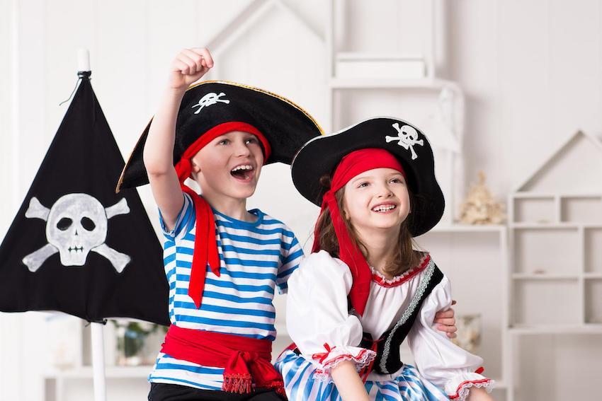 Pirate theme party: Kids wearing pirate costume